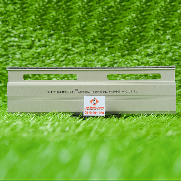 Cửa cuốn đức titadoor pm2050S chính hãng giá rẻ